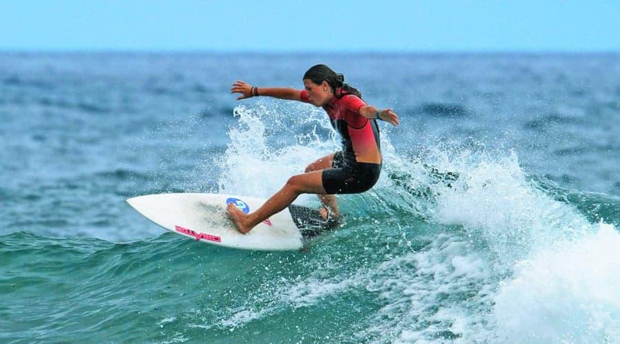 kurs surfingu Teneryfa - surfer