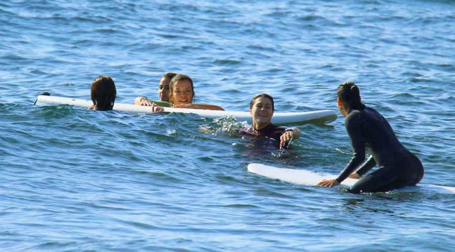 kurs surfingu Teneryfa - grupowa lekcja surfingu